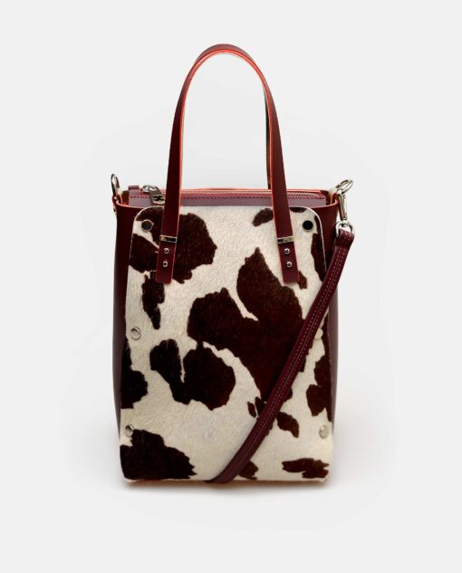 Bolso vertical de piel con pelo de vaca